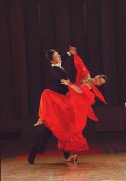 ワシミダンススクール ➡サークル:ダンス・ダンス・ダンス外観